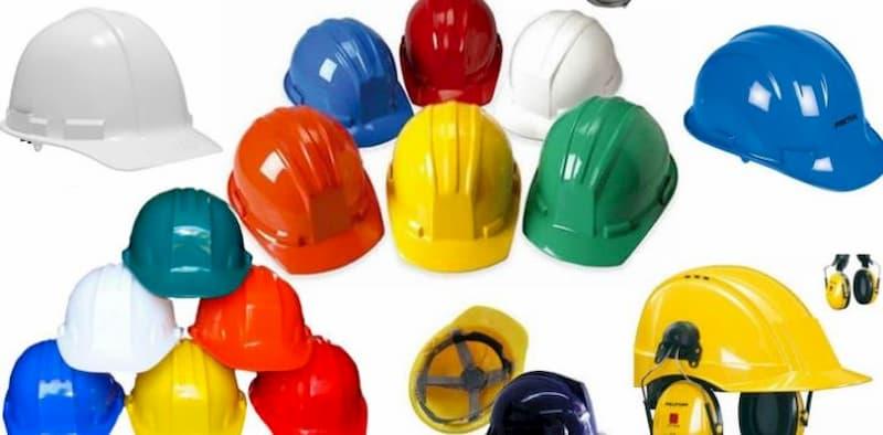 Código de color para los cascos industriales. Los colores de cascos en el uso industrial debe ser de acuerdo al rango especificado del trabajador